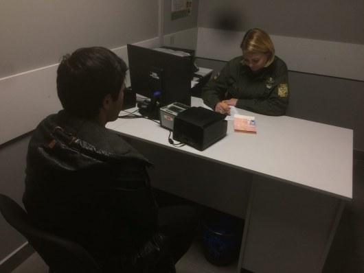 Ваэропорту «Одесса» таможенники  выявили жителя России  споддельным паспортом